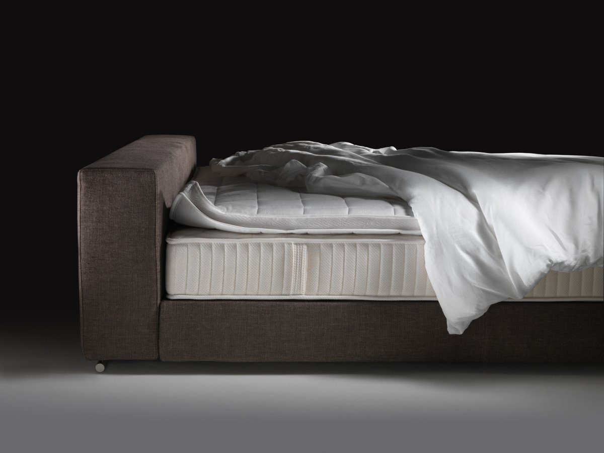 Groundpiece Slim Bed